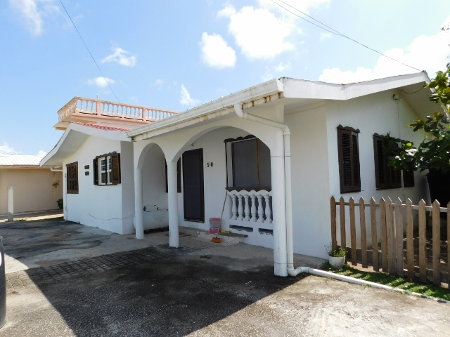 Los Lagos Estate, Ladyville, Belize District